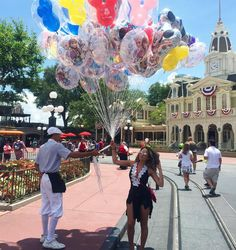"""""""Me dá todos os balões .... Kkkk Aquela viagem que a gente nunca esquece e que da vontade de ir todo ano ❤️ saudade também da casa maravilhosa @fidelityvh…"""""""