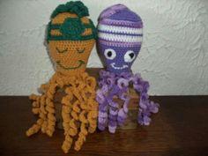"""Deze twee inktvisjes """" Woody """" en """" Purple """" zijn gemaakt door Ria Zirkzee."""