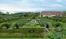 Top attractions in the Loire Valley from Anjou to Ainy-le-Vieil: Visit and Stay at Notre Dame d'Orsan Garden and Hotel