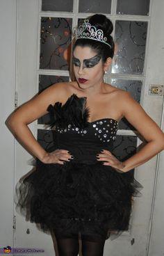 Black Swan - Halloween Costume Contest via @costume_works