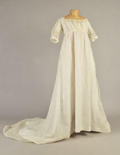 1805 - Sprigged muslin dress with train Historical Costume, Historical Clothing, 1800s Dresses, Regency Dress, Regency Era, Muslin Dress, Tambour Embroidery, Bridesmaid Dresses, Wedding Dresses