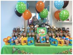Jungle baby shower favors and decorations