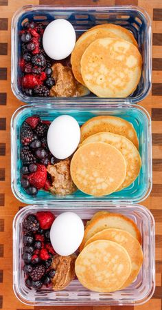 Paleo Pancake Breakfast Meal Prep Bowls are a healthy idea for breakfast you can prepare ahead of time and bring with you on-the-go! Do you meal prep breakfast? I'm one of those people who would always prefer lunch food over breakfast. My mom used to have Lunch Meal Prep, Meal Prep Bowls, Easy Meal Prep, Healthy Meal Prep, Healthy Drinks, Healthy Snacks, Easy Meals, Meal Preparation, Eating Healthy