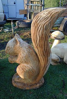Mick Burns, Chainsaw Sculptor, Gallery 10.100. Squirrel