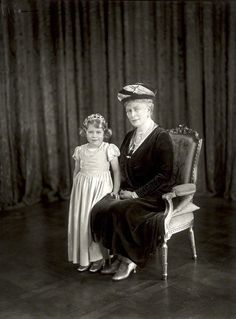 Regalmajesty:  Princess Elizabeth with her grandmother Queen Mary