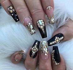 Every Girl's Fav-Black!!! FOLLOW___<<saba khan>>