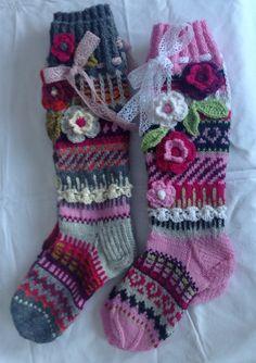 Crochet Socks, Pullover, Christmas Stockings, Knitting, Flower, Projects, Bebe, Tricot, Hoods