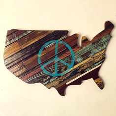 Natural Wood Peace Sign with Peace Sign by RidleyStallingsArt on Etsy Reclaimed Wood Art, Recycled Wood, Perfect Peace, Find Objects, Ocean Life, Wooden Walls, Wall Sculptures, Old Houses, Primary Colors