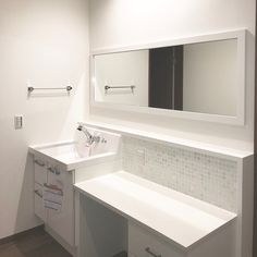 Bathroom/洗面台/化粧台/ホワイト/タイル貼り/造作洗面台...などのインテリア実例 - 2017-12-21 14:09:47 | RoomClip (ルームクリップ)
