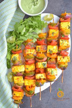 Air Fryer Tandoori Paneer Tikka Spicy Recipes, Healthy Recipes, Tandoori Paneer, Marinated Cheese, Tikka Recipe, How To Make Paneer, Paneer Tikka, Superfood Recipes, Air Fryer Recipes Easy