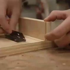 Woodworking Guide, Woodworking Techniques, Easy Woodworking Projects, Woodworking Furniture, Wooden Projects, Fun Projects, Wood Crafts, Project Ideas, Diy And Crafts