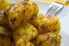 Avec cette recette facile de pommes de terre au curry et à la moutarde, vous ne verrez plus les pommes de terre de la même manière ! Secouez, enfournez : c'est pret !