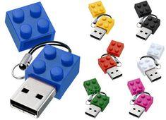 Pendrive e Hub USB de Lego