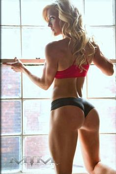 Top 10 Squat Variations to build, sculpt, and lift your #booty and give you the curves you want! #RippedNFit
