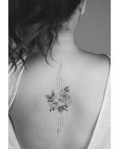 Tatuagem feminina costas @tritoan__seventhday