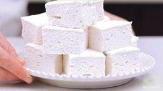 Творожный зефир Ингредиенты: Творог — 400 г Желатин — 1 ст. л. Молоко — 200 г Сахарозаменитель — по вкусу Приготовление: 1. Творог взбить в блендере, желатин замочить в молоке, руководствуясь инструкцией на упаковке.  2. В творог добавить сахарозаменитель, затем добавить молочный желатин, все хорошо смешать в блендере, разлить по формам и поставить в холодильник на 2 часа.