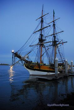 Tall Ships - Lady Washington and Moon (aka Interceptor from Pirates of the Caribbean)