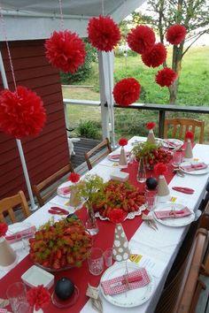 Leta du efter fina och roliga dekorationer till din kräftskiva? Här är 10 roliga idéer du enkelt kan fixa själv – från bordsplaceringar till servering...