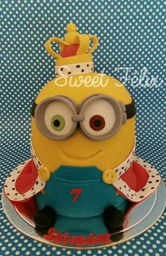king bob minion birthday cake based on the recent minions movie minion pinterest torten. Black Bedroom Furniture Sets. Home Design Ideas