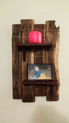 Simple recycled pallet wood wall hanger. Pallet-furniture.com.au