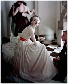 Photo : Frances McLaughin-Gill, 1949.