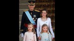 Las infantas Elena y Cristina, hermanas del monarca,mantendrán sus títulos pero no representarán ya a la Corona