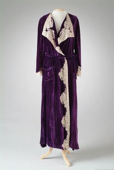 1935 Dressing Gown via The Meadow Brook Hall Historic Costume Collection.