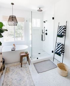 5 Things You need for a Coastal Home | Anita Yokota | Decorating your home with a beachy coastal vibe is easy with stripes, blue color palettes and natural woven accessories. In this blog post, I'm sharing 5 things you need to get the coastal look! #coastalhome #beachstyle