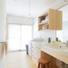#脱・部屋干し|ブログ|新潟の注文住宅|自然素材の木の家ならナレッジライフ Study Room Decor, Muji, Corner Desk, Flooring, Pure Products, Wood, Furniture, Home Decor, Corner Table
