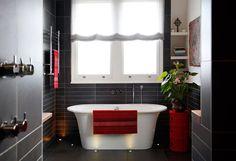 #red and #black #bathroom #baño moderno en #negro