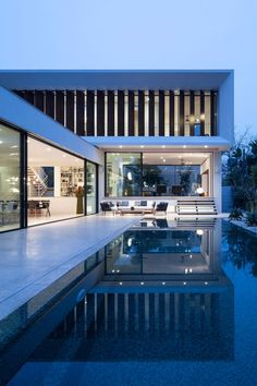 TV House by Pazgersh arch