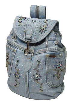 Inspiration only- Upcycled Handmade Beaded Blue Denim Backpack: Clothing Denim Backpack, Denim Purse, Backpack Bags, Recycle Old Clothes, Recycle Jeans, Denim Crafts, Handmade Purses, Recycled Denim, Patchwork Bags