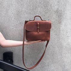 Sac à bandoulière en cuir brun Cognac / petit sac femme / sac