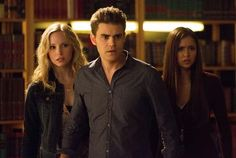 """The Vampire Diaries -- """"After School Special"""" -- Pictured (L-R): Candice Accola as Caroline, Paul Wesley as Stefan, and Nina Dobrev as Elena -- Image Number: -- Photo: Bob Mahoney/The CW -- 2013 The CW Network, LLC. All rights reserved. Vampire Diaries Stefan, Vampire Diaries Spoilers, Vampire Diaries Season 5, Vampire Diaries Quotes, Vampire Diaries Cast, Vampire Diaries The Originals, Stefan Salvatore, Paul Wesley, Stefan And Caroline"""