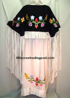 buckskin Tdress Native American Wedding, Native American Dress, Native American Artwork, Native American Regalia, Native American Beadwork, Native American Fashion, Powwow Regalia, Jingle Dress, Ribbon Skirts