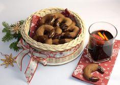 Recept s foto postupom na výborné rožky pre všetkých, ktorí Nutelu, alebo podobnú orieškovú pomazánku zvládnu dať do cesta skôr ako ju voľakto zje. Opäť sa môžete realizovať spolu s deťmi. Wicker Baskets, Cake Recipes, Picnic, Xmas, December, Cookies, Diy, Decor, Biscuits