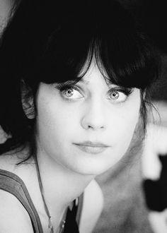 Eyes of blue~Zooey Deschanel Zooey Dechanel, Zooey Deschanel Style, Zooey Deschanel Eyes, Beautiful Eyes, Beautiful People, Beautiful Women, Female Actresses, Actors & Actresses, Hollywood