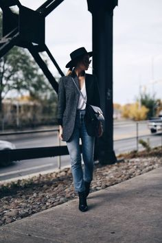 parisian uniform, how to dress like a parisian, online shopping, women's fashion, editor tips and tricks, effortless chic street style, french editor style