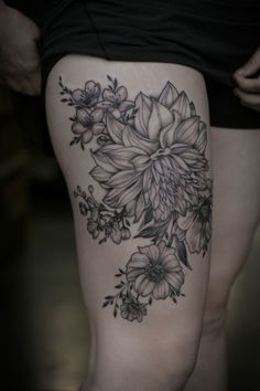 wonderlandtattoospdx: Incredible black and grey floral piece by Alice Kendall