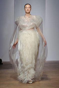 Yiqing Yin Haute Couture fall/winter - The Glam Pepper Fashion Images, Fashion Art, Fashion Show, Fashion Design, Fashion Details, Haute Couture Designers, Haute Couture Gowns, Yiqing Yin, Mode Style