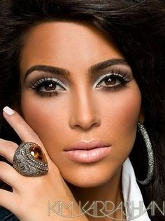 Kim Kardashian: Amazing make-up!
