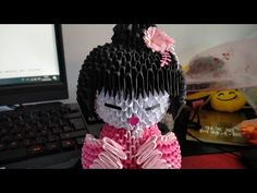 #04/20 Origami 3d - Geisha - YouTube Origami And Quilling, 3d Origami, Geisha, 3 D, Halloween, Youtube, Decor, Easy Crafts, Modular Origami