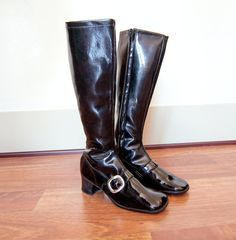 Vintage 1960s GoGo Boots - Black Patent Leather Vinyl Buckle Mod 60s Shoes Heels - 6