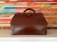 The JUNK Doctor is in.  Beautiful VINTAGE Leather Doctor's Bag.