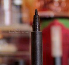 """قلم الكحل السائل سكاندلآيز """" Thick& Thin """" من ريميل   Rimmel Scandaleyes Thick & Thin Eyeliner ... التفاصيل في المدونة"""