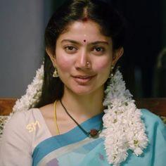 Most Beautiful Faces, Beautiful Girl Image, Most Beautiful Indian Actress, Beauty Full Girl, Beauty Women, Sai Pallavi Hd Images, Teacher Images, Beautiful Heroine, Indian Heroine