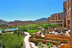 JW Marriott Tucson Starr Pass Resort Tucson (Arizona) Located 7 miles from Central Tucson in a saguaro cactus forest, this resort has 3 golf courses, 4 dining options, 3 outdoor swimming pools and multiple hot tubs. It features an extensive spa, teen lounge, and kids club.