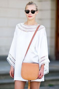 Der Street-Style Diese Stern-Weiß-Kleid macht für einen Sommer Perfect Look - http://www.modedamen.org/der-street-style-diese-stern-weis-kleid-macht-fur-einen-sommer-perfect-look/
