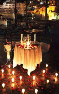 🦹🏾♂🦹♀Romantic Surprise for him? 🦹🏾♂🦹♀Romantic Surprise for him? Romantic Room, Romantic Evening, Romantic Things, Romantic Dinners, Romantic Ideas, Romantic Dinner Setting, Romantic Table, Cute Date Ideas, Gift Ideas