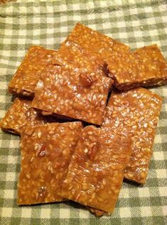 Natural Homemade Living: Sunflower, Sesame and Flax Seed Brittle